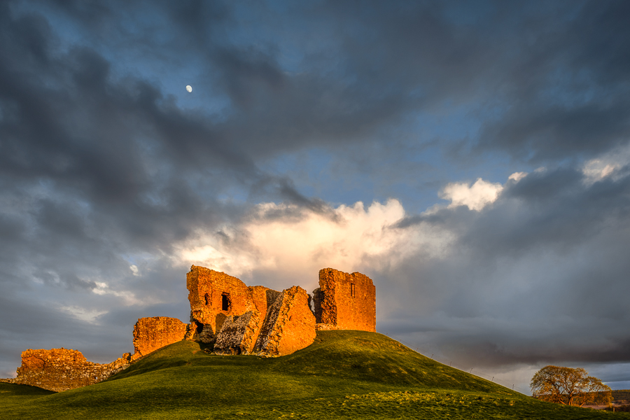 The Moon And The Castle